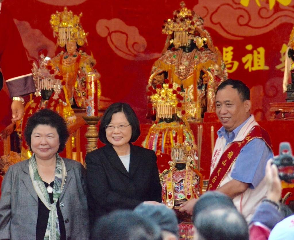 旗山媽祖前往台北自由廣場蔡英文總統前往上香祈福接駕